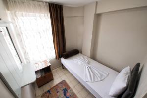 Yellow Rose Pension, Privatzimmer  Canakkale - big - 21