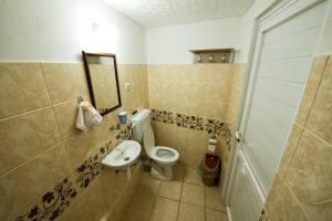 Yellow Rose Pension, Privatzimmer  Canakkale - big - 28