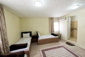 Yellow Rose Pension, Privatzimmer  Canakkale - big - 30