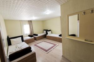 Yellow Rose Pension, Privatzimmer  Canakkale - big - 33