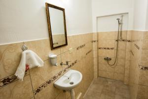 Yellow Rose Pension, Privatzimmer  Canakkale - big - 40
