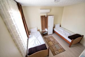Yellow Rose Pension, Privatzimmer  Canakkale - big - 49