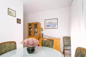 Apartments Ivica, Apartments  Trogir - big - 20
