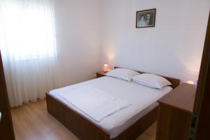 Apartments Ivica, Apartments  Trogir - big - 8