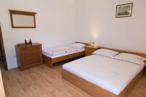 Apartments Ivica, Apartments  Trogir - big - 9