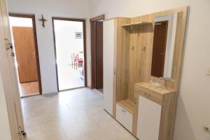 Apartments Ivica, Apartments  Trogir - big - 6
