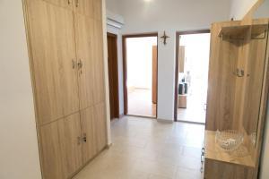 Apartments Ivica, Apartments  Trogir - big - 2