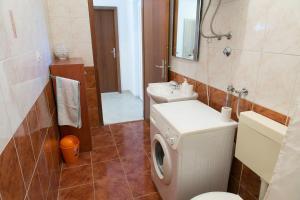 Apartments Ivica, Apartments  Trogir - big - 10