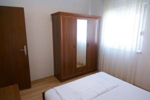 Apartments Ivica, Apartments  Trogir - big - 28