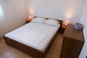 Apartments Ivica, Apartments  Trogir - big - 26