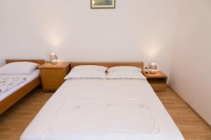 Apartments Ivica, Apartments  Trogir - big - 21