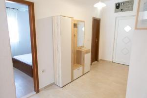 Apartments Ivica, Apartments  Trogir - big - 17