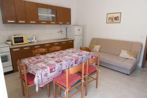 Apartments Ivica, Apartments  Trogir - big - 32