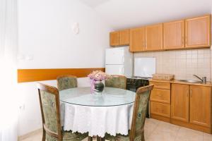 Apartments Ivica, Apartments  Trogir - big - 13