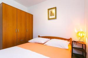 Apartments Ivica, Apartments  Trogir - big - 12