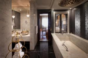Two-Bedroom Suite King with Club Access