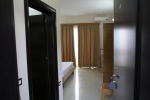 Hotel Blue Days, Szállodák  Borsh - big - 23