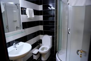 Hotel Blue Days, Szállodák  Borsh - big - 17