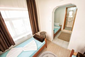Yellow Rose Pension, Privatzimmer  Canakkale - big - 13