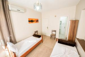 Yellow Rose Pension, Privatzimmer  Canakkale - big - 11