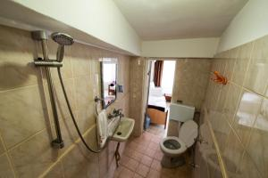 Yellow Rose Pension, Privatzimmer  Canakkale - big - 9