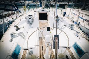 Velacatania Boat&Breakfast - AbcAlberghi.com