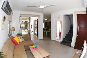 Villa Helen,Colonian beach villas, Vily  Meneou - big - 4