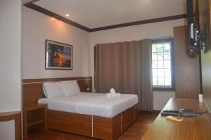 Robinland Vacation Home, Villas  Badian - big - 16