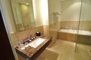 Quest Hotel Semarang, Отели  Семаранг - big - 9
