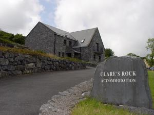 Clare's Rock - Hostel & Self-Catering Accommodation