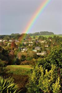 Between the Mountains, Prázdninové domy  Rotorua - big - 12