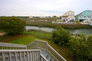 The Beach Cottage Home, Holiday homes  Myrtle Beach - big - 16
