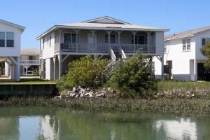 The Beach Cottage Home, Holiday homes  Myrtle Beach - big - 17