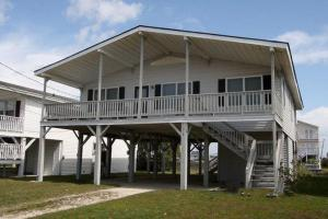 The Beach Cottage Home, Holiday homes  Myrtle Beach - big - 1