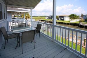 Loafer's Lodge Home, Holiday homes  Myrtle Beach - big - 3