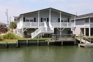 Loafer's Lodge Home, Holiday homes  Myrtle Beach - big - 17
