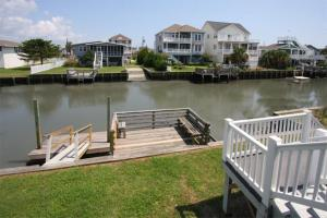 Loafer's Lodge Home, Holiday homes  Myrtle Beach - big - 18