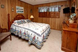 Loafer's Lodge Home, Holiday homes  Myrtle Beach - big - 19
