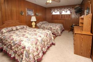 Loafer's Lodge Home, Holiday homes  Myrtle Beach - big - 20