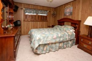 Loafer's Lodge Home, Holiday homes  Myrtle Beach - big - 21