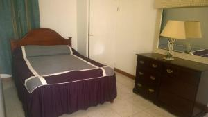 Csompó Square one apartment, Bed and Breakfasts  Bantam Spring - big - 25