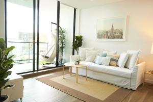 Stunning 2 Bedroom Pad in the Heart of Sydney