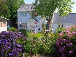 Rowan Cottage, Cubert