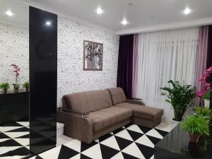 Apartment on Bachurinskaya 13