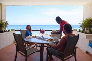 One-Bedroom Condo with Sea View