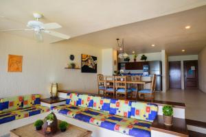 Three-Bedroom Condo with Sea View
