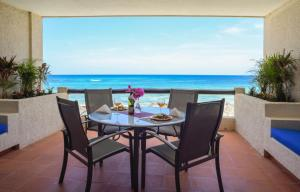Two-Bedroom Condo with Sea View