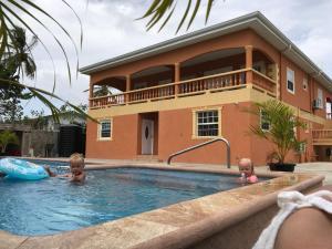 Ri Biero's Holiday Apartments, Apartmány  Crown Point - big - 48