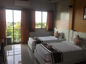 Waen Petch Place Hotel, Hotel  Ubon Ratchathani - big - 10