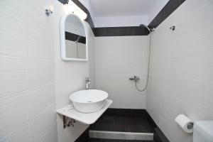 Karboni Hotel, Penziony  Mykonos - big - 33